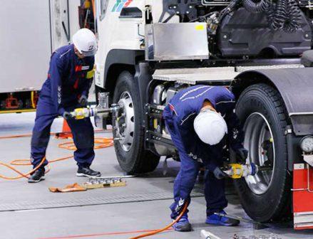 タイヤ整備の技能コンテスト各地で開催 作業技術の向上へ