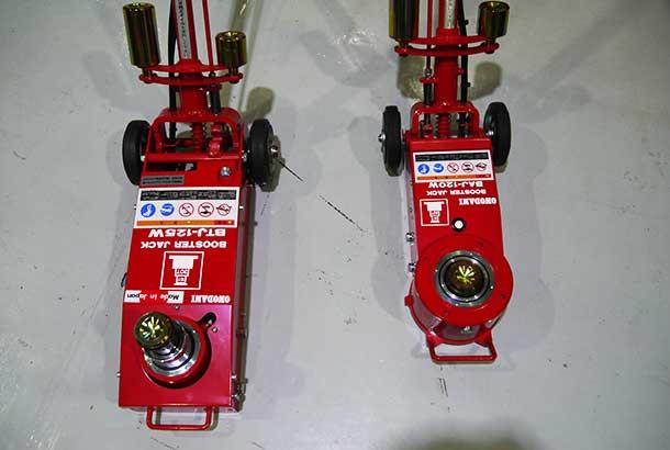 同じ135W型でも、新商品(右)と従来品(左)の大きさの違いは歴然
